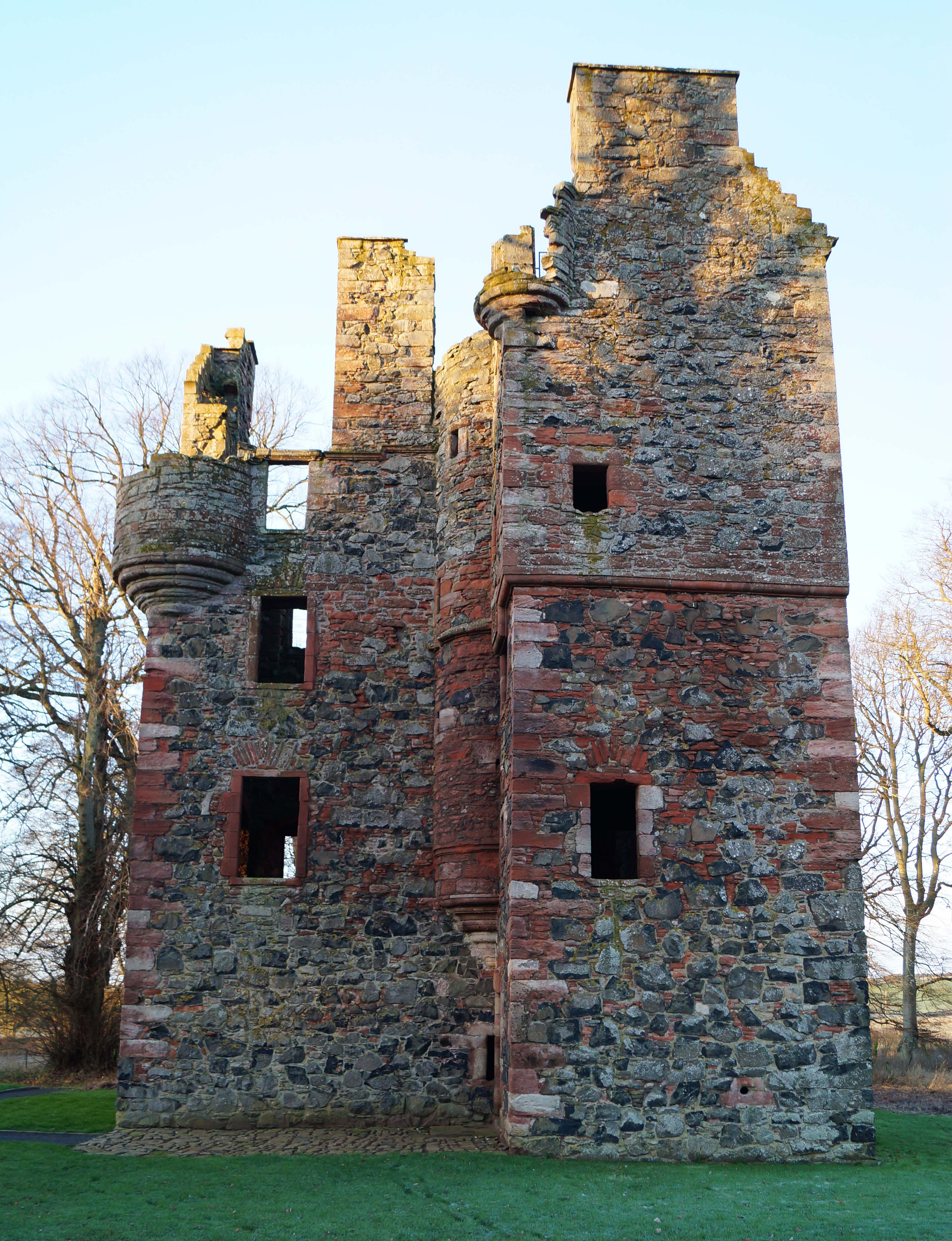 Greenknowe Tower Scottish Borders And Lothians Castles