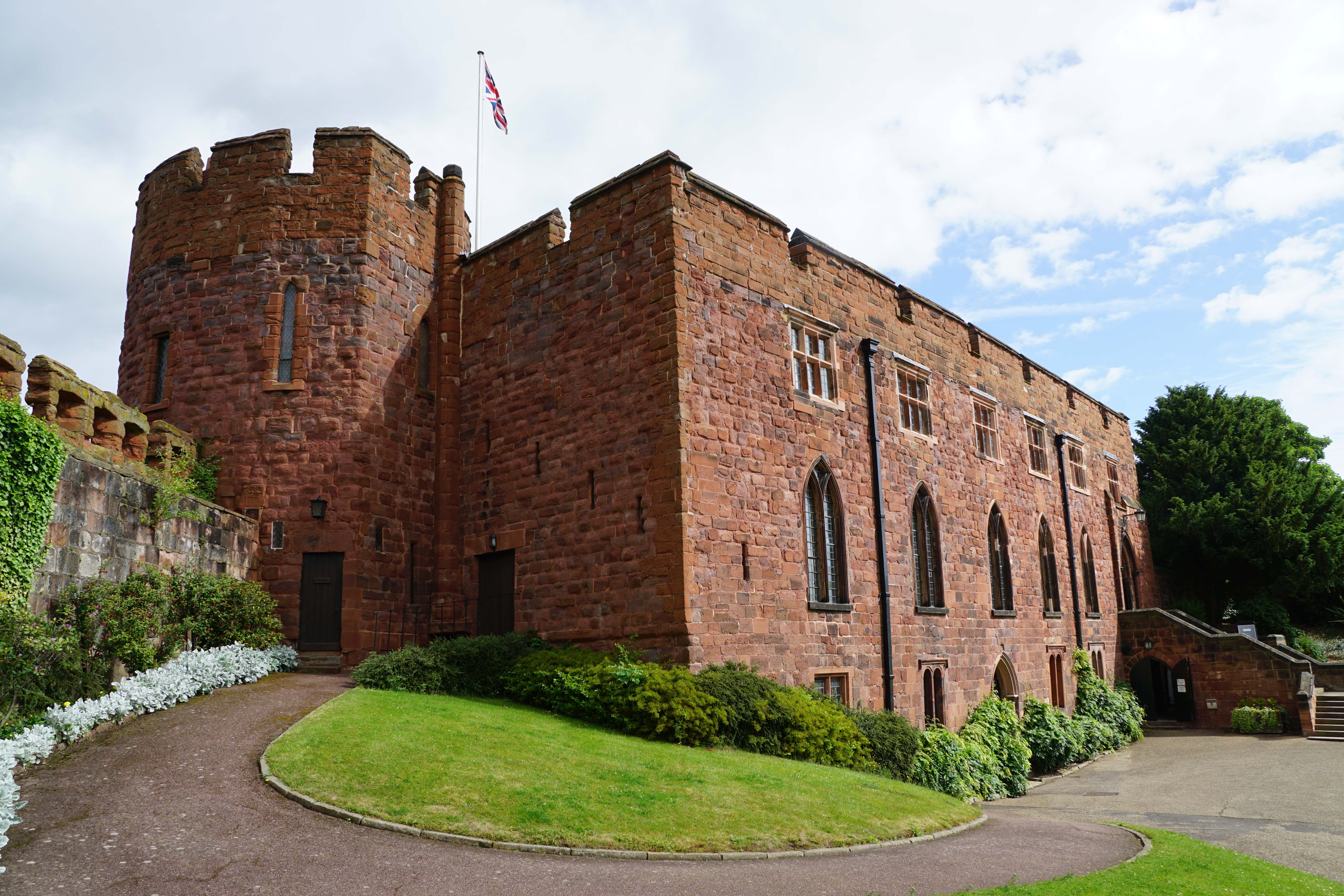 Shrewsbury Castle and Town Walls | Midlands | Castles, Forts