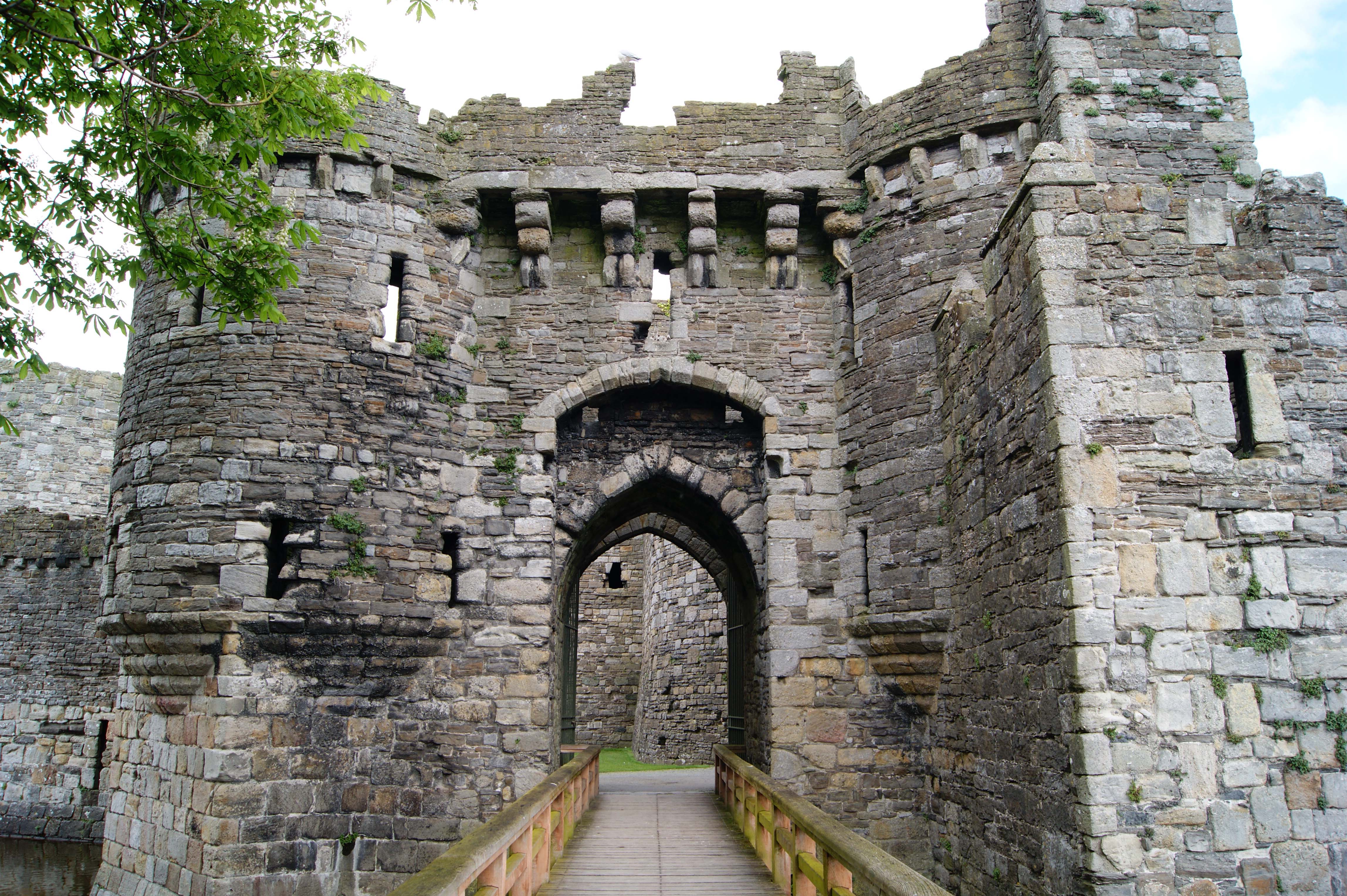 Beaumaris Castle North Wales Castles Forts And Battles