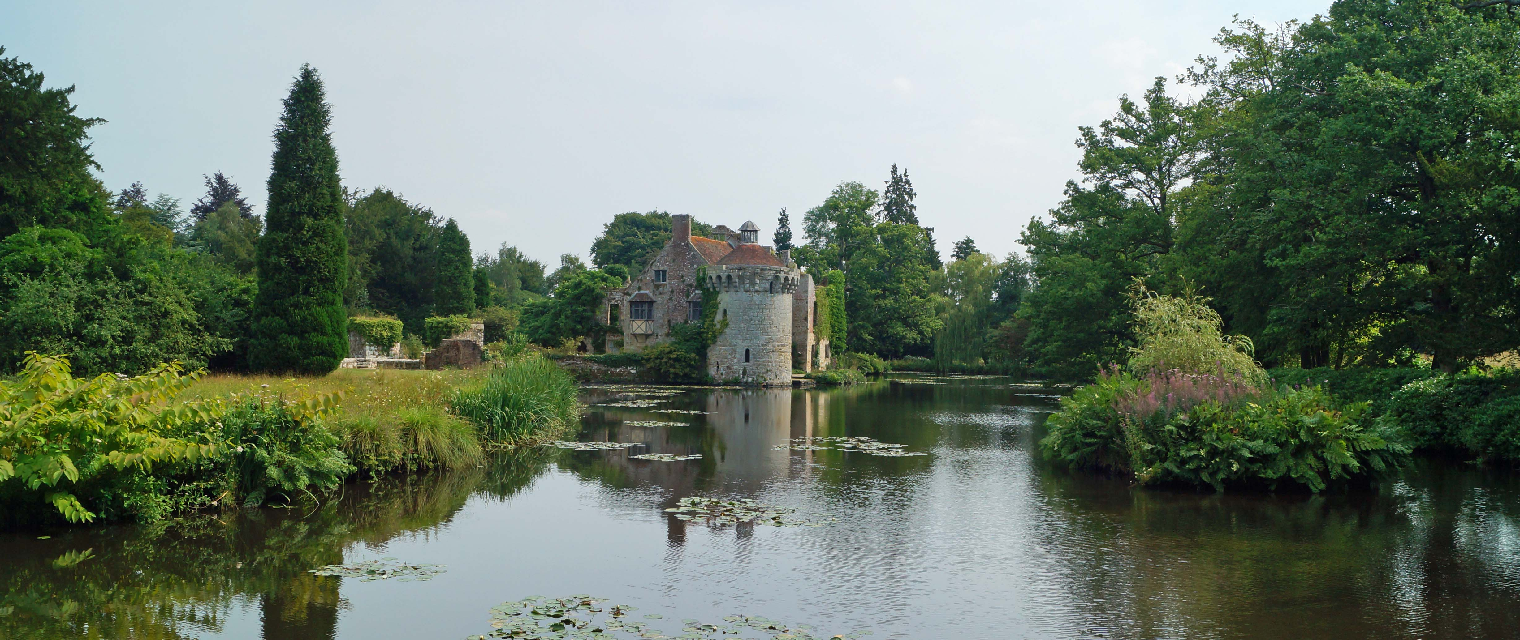 Christmas lunch at Scotney Castle   National Trust